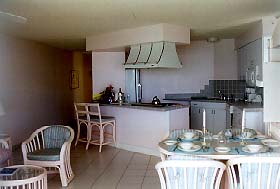 [IMG: Kitchen  one/two bedroom suite]  (c) 1997 GoBeach Vacations